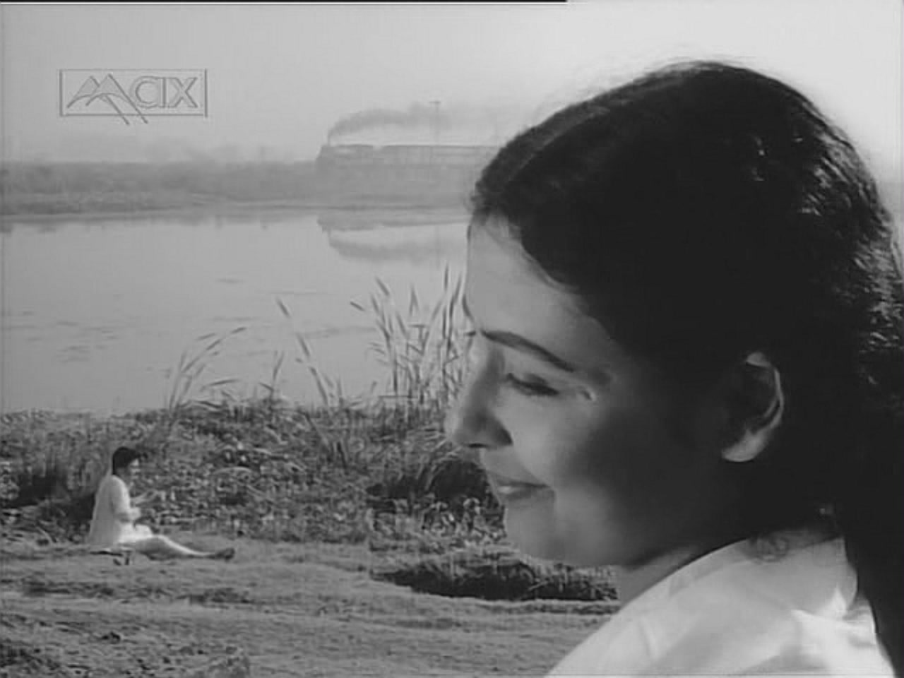 Supriya Choudhury and Anil Chatterjee in Ritwik Ghatak's The Cloud-Capped Star
