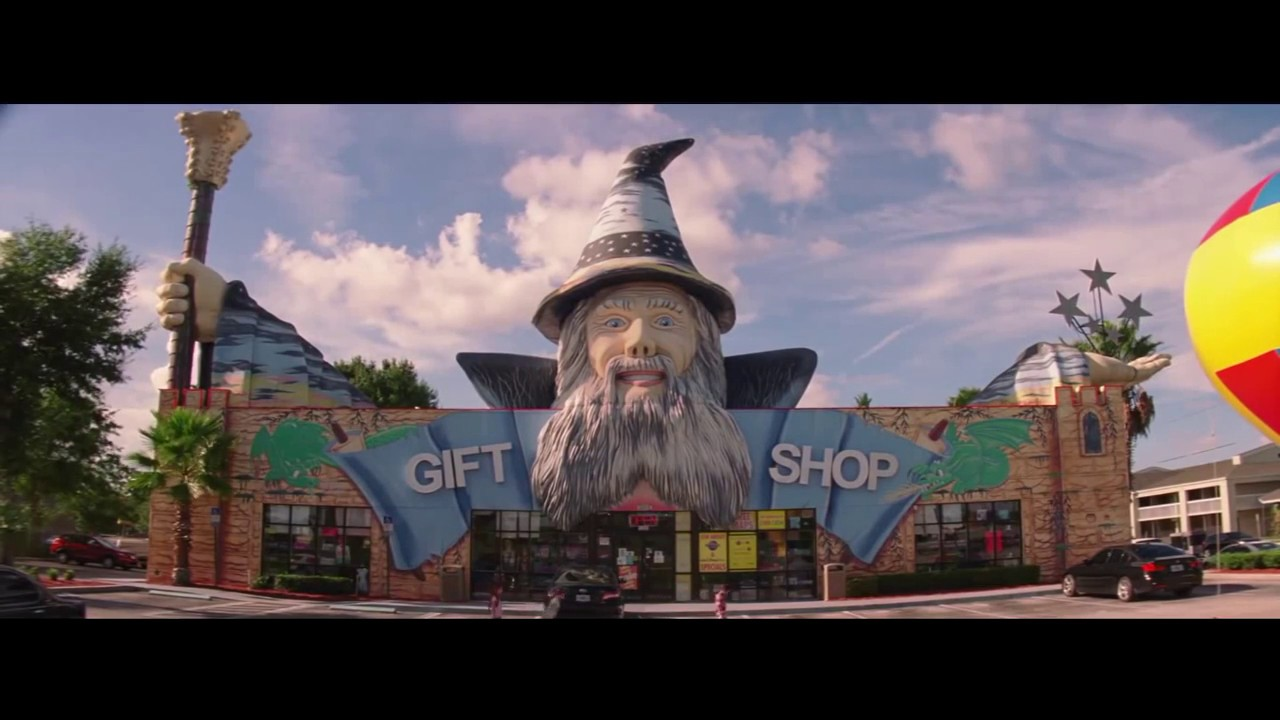 Gift shop in Sean Baker's The Florida Project
