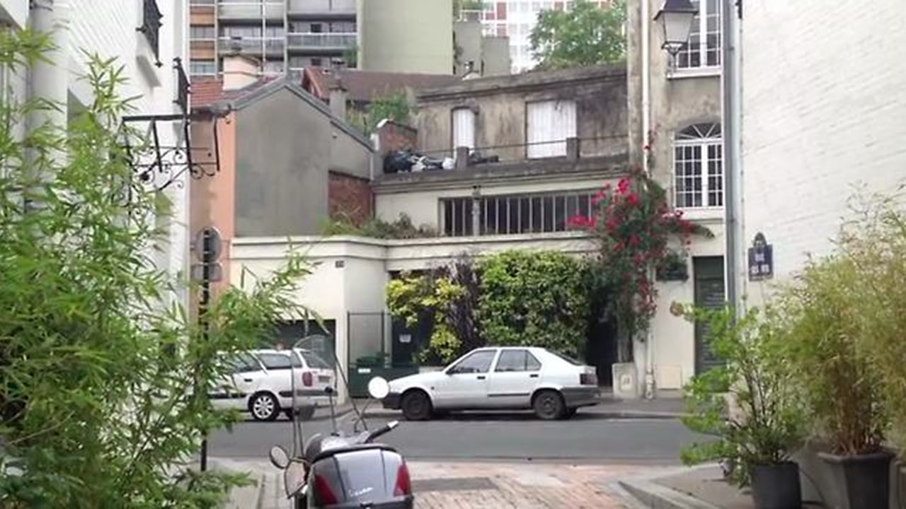 External shot of apartment in Michael Haneke's Cache