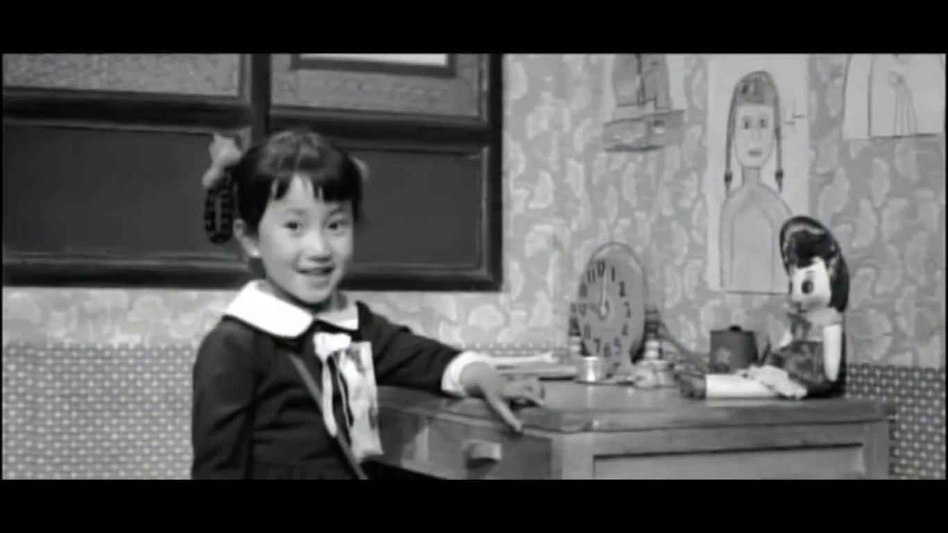 Image of Ok-hee at her desk