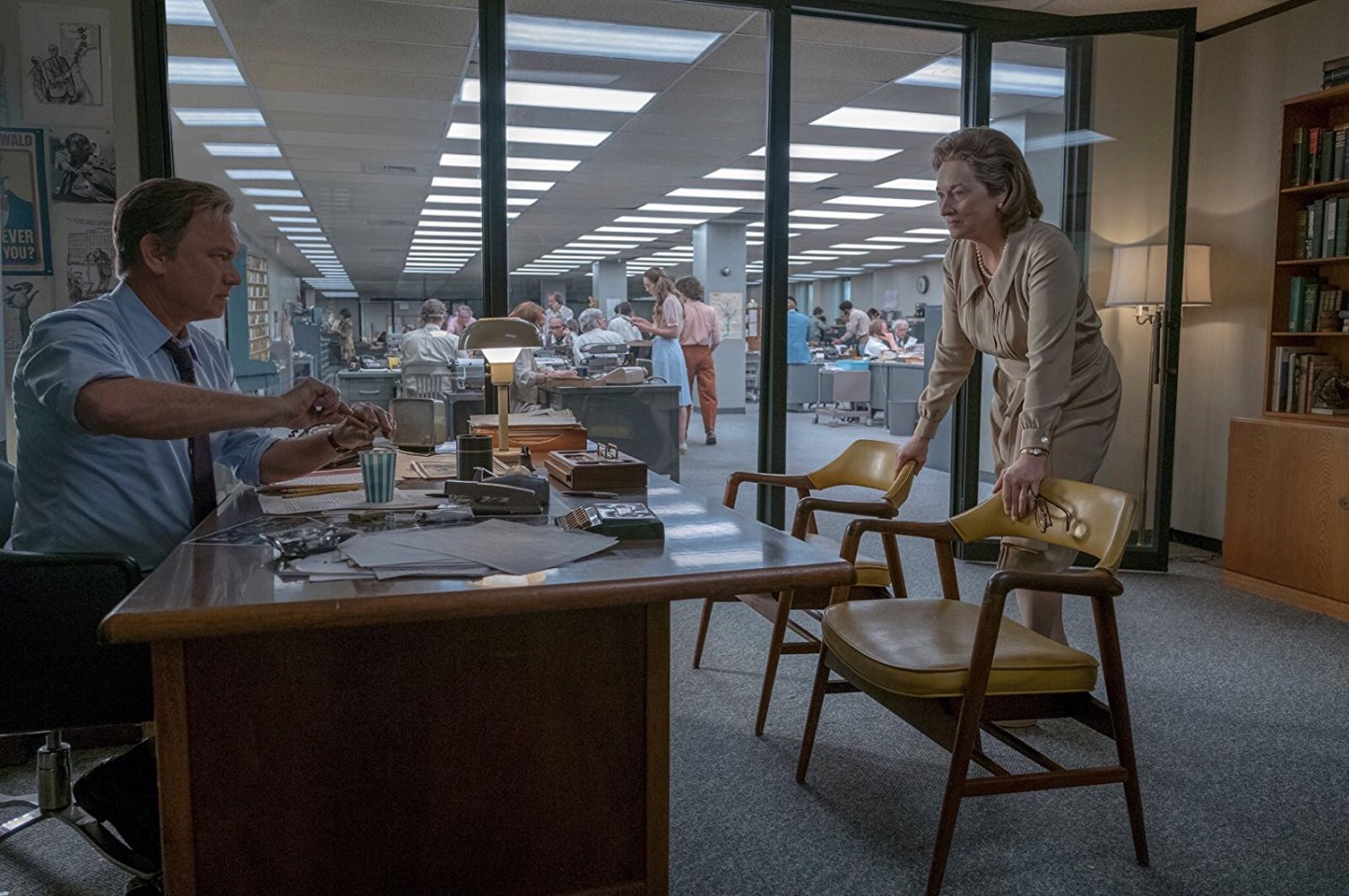 Tom Hanks and Meryl Streep in office in Steven Spielberg's The Post