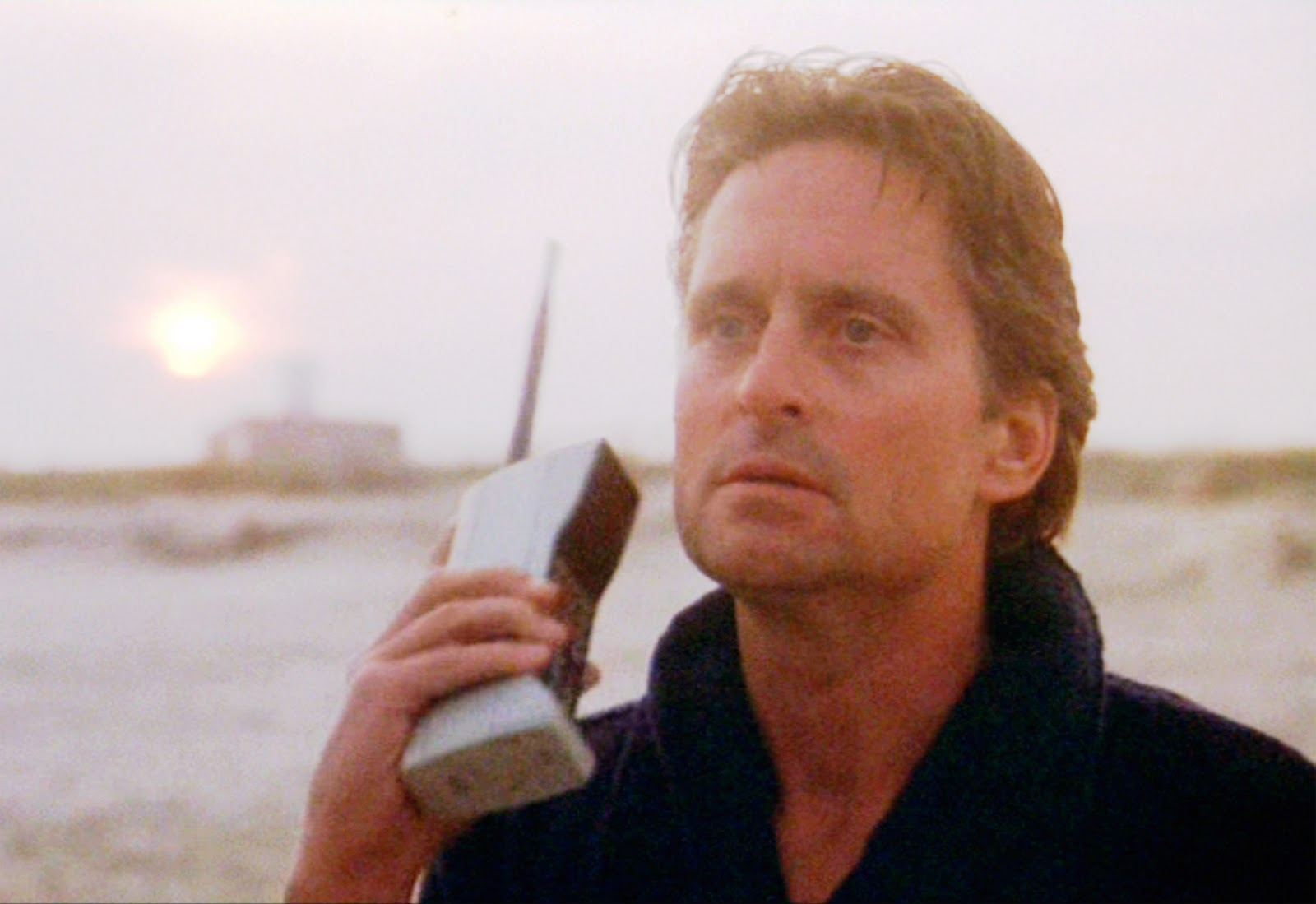 Michael Douglas' ridiculously big phone in Wall Street
