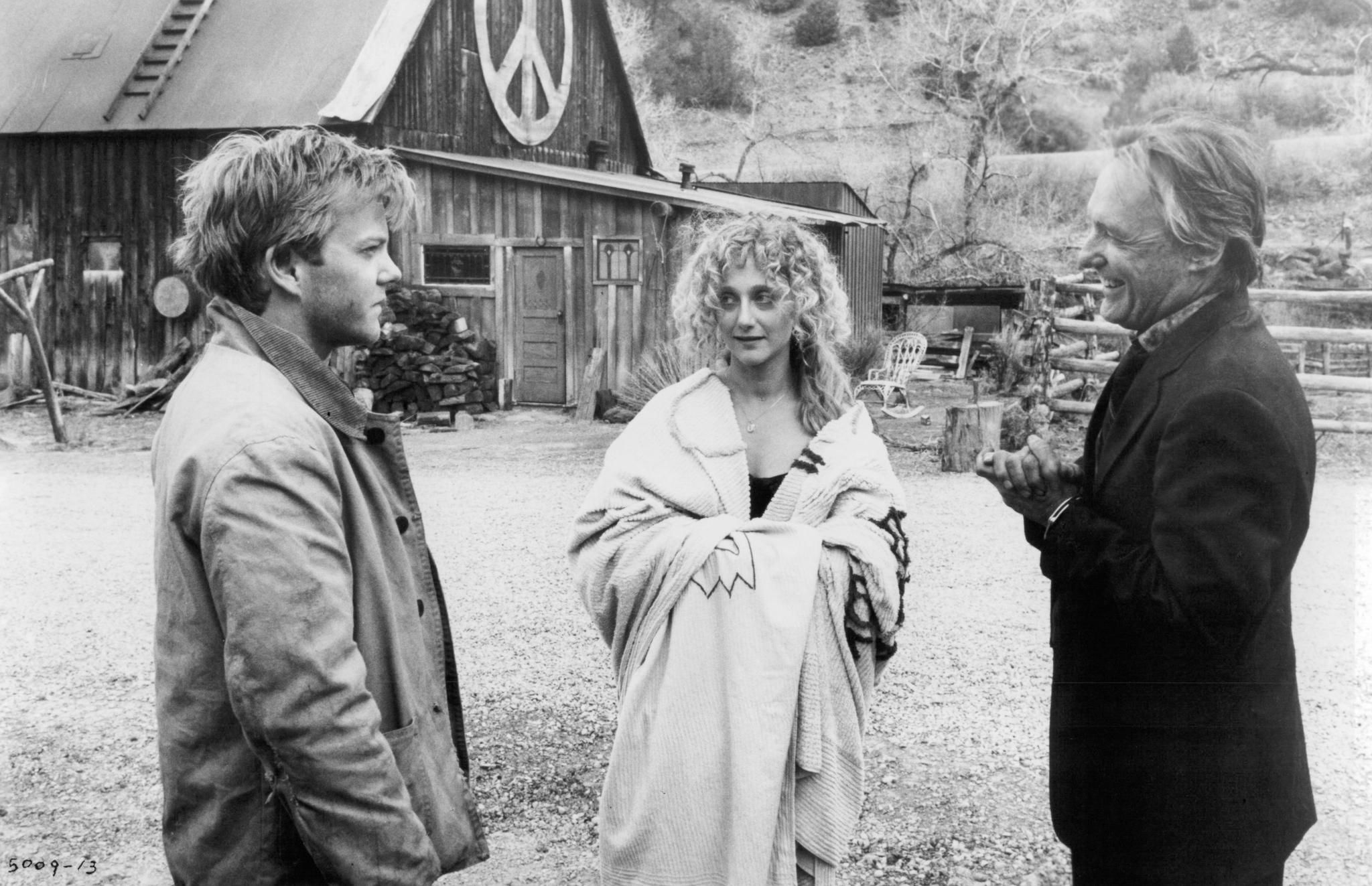 Kiefer Sutherland, Carol Kane, and Dennis Hopper in Flashback