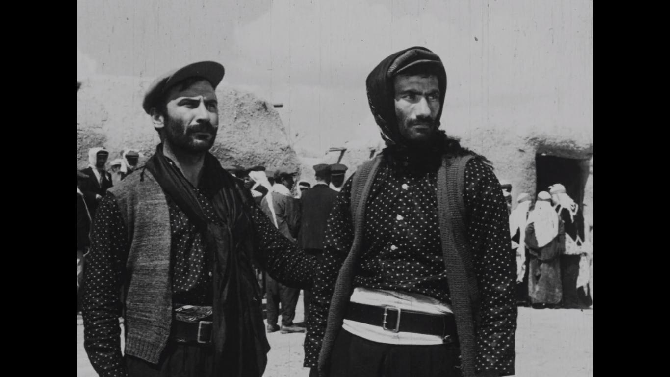 Yilmaz Güney and villager inLütfi Akad's Law of the Border