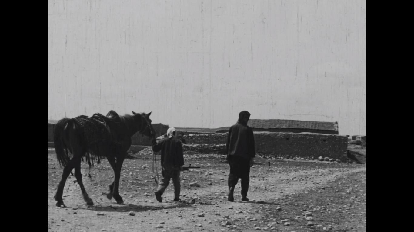 Yilmaz Güney and child inLütfi Akad's Law of the Border