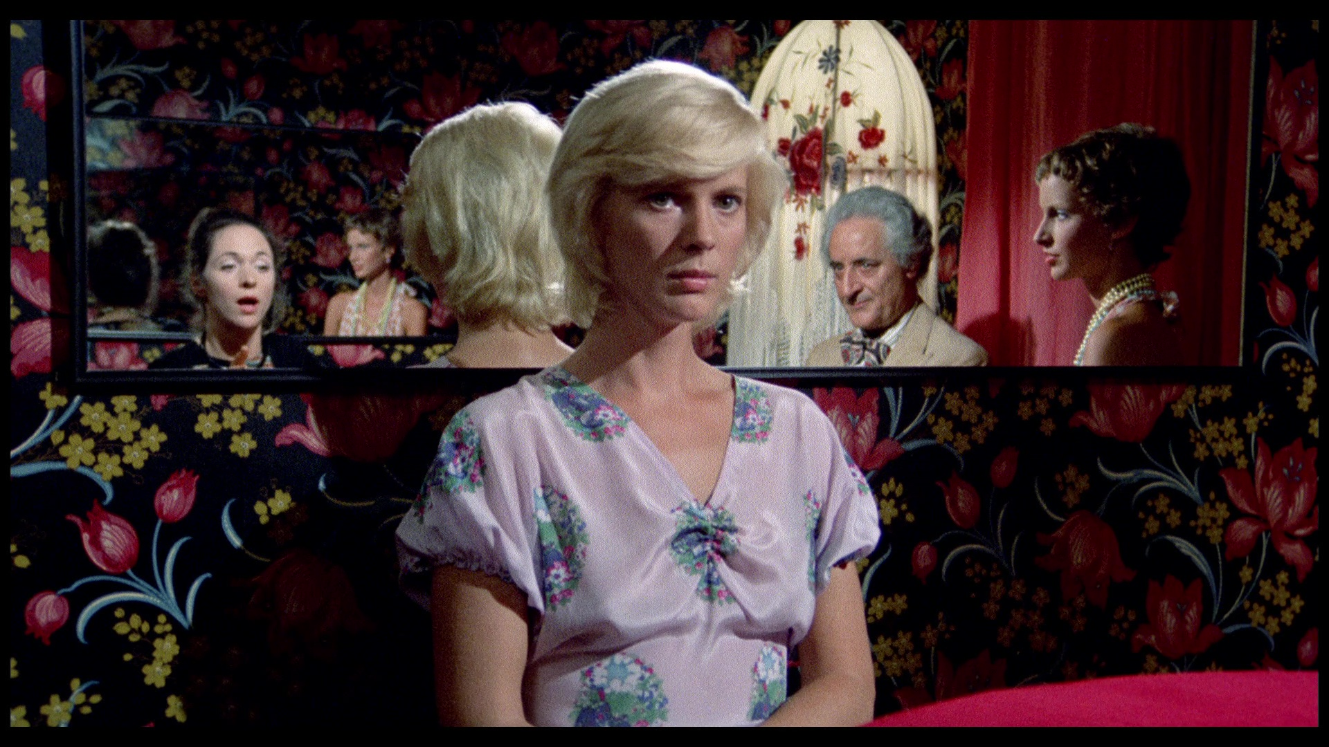Mimsy Farmer in The Perfume of the Lady in Black giallo horror